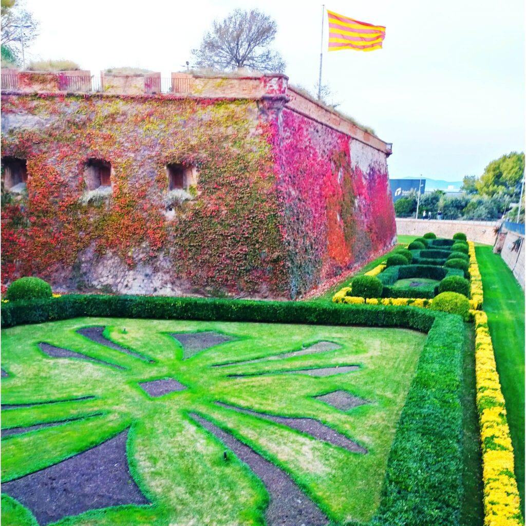 замок Монтжуик в Барселоне